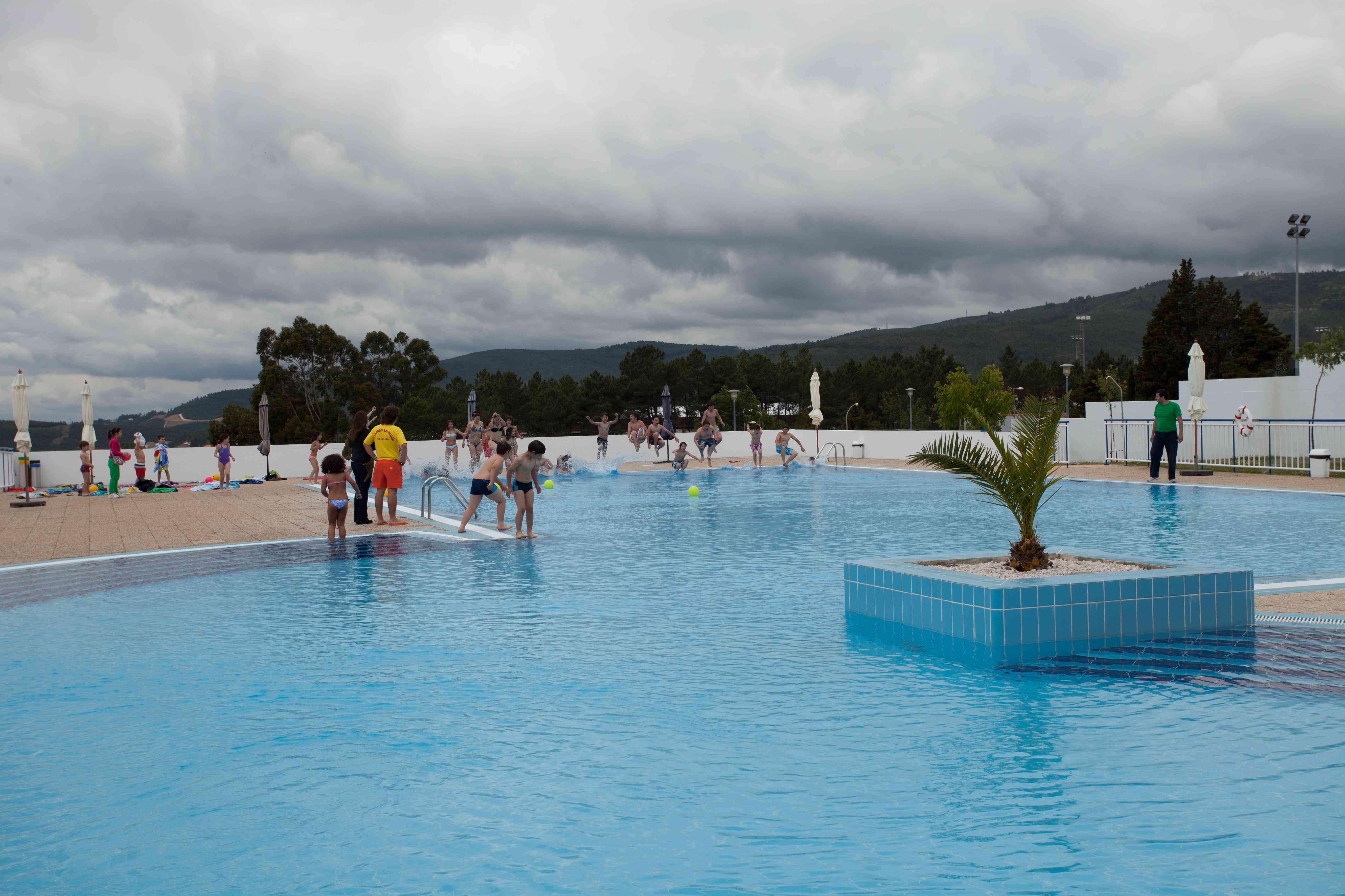 Oleiros j abriu a piscina municipal for Piscina municipal oleiros